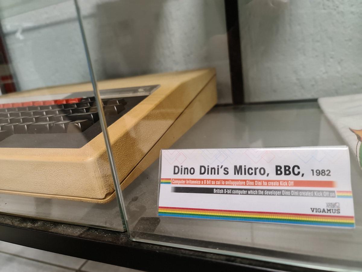 https://vigamus.com/beta/wp-content/uploads/2020/09/bbc-micro-dino-dini.jpg
